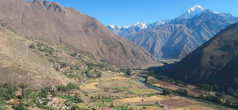 peruvian-shades-excursion-cusco-full-day-valle-sagrado-maras-moray-1