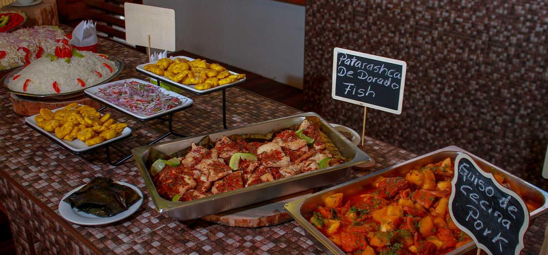 Buffet en Heliconia Lodge - Iquitos - Peru