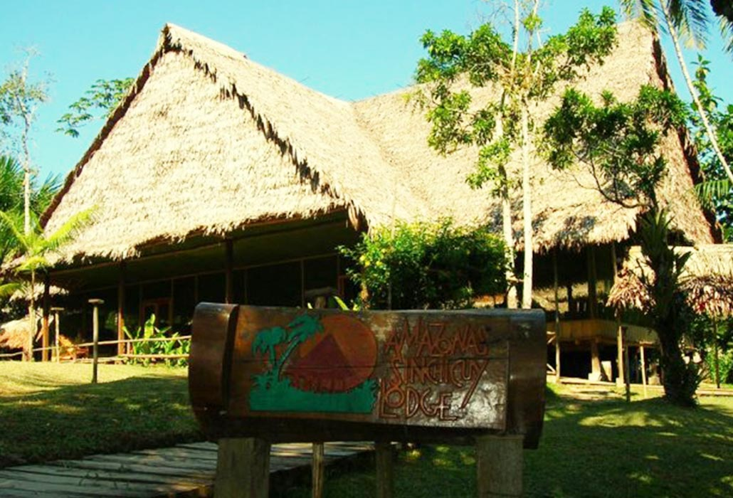 FRONT SINCHICUY LODGE IQUITOS - PERU - PERUVIAN-SHADES