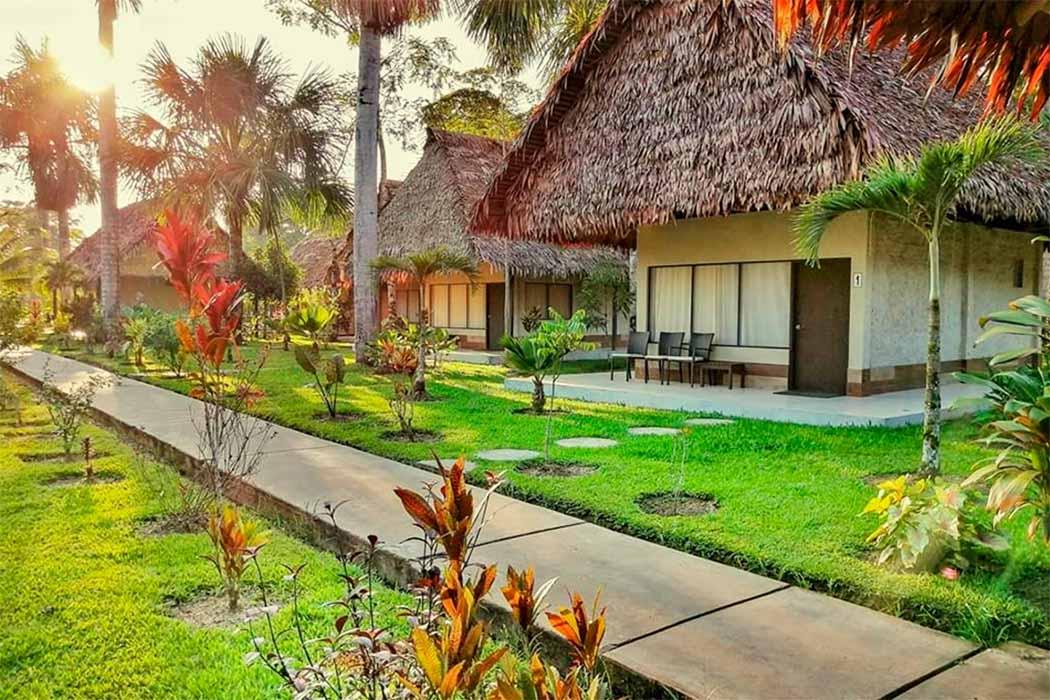 HABITACIONES-IRAPAY AMAZON LODGE IQUITOS, PERU-PERUVIAN SHADES