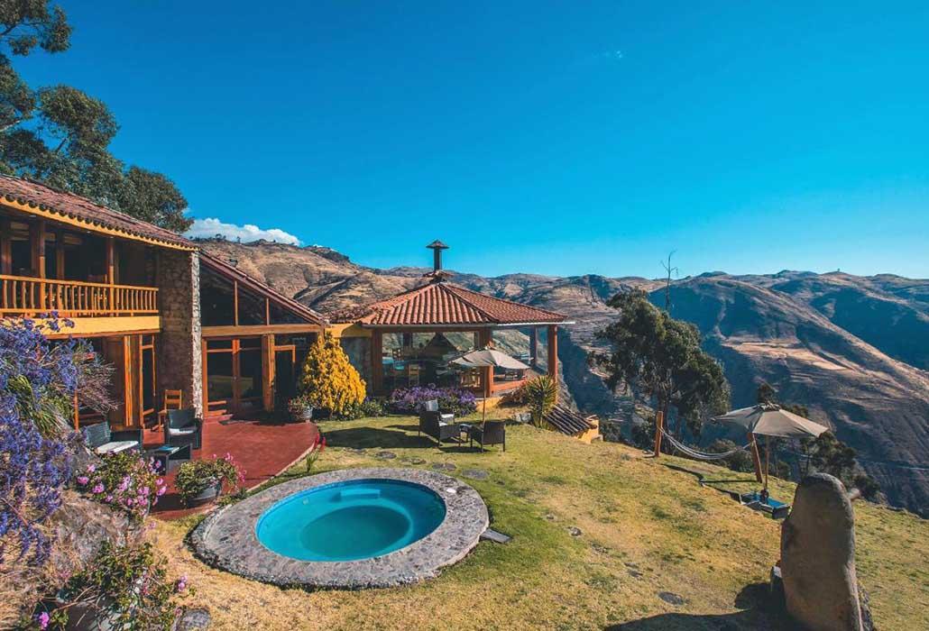 REFUGIO VIÑAK LUNAHUANA, PERU